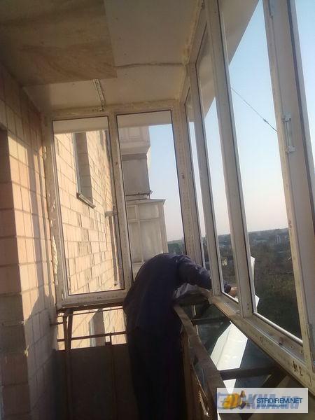 Установка окна на балконе.