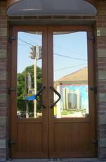 Завод-изготовитель в г. Судак, реализует окна и двери ПВХ