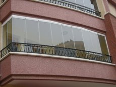 Раздвижные стеклянные окна и двери