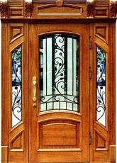 Парадная металлическая дверь