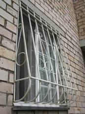 Решетки металлические на окна, перила на балкон
