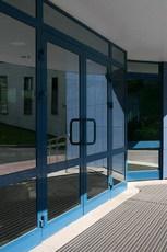 Алюминиевые двери от компании «Элпол» (Одесса)